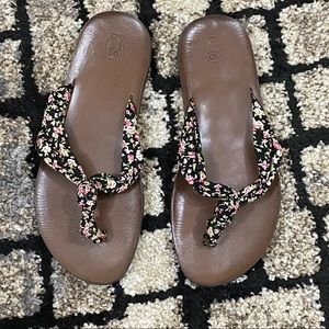 Mossimo Floral Flip Flops Size 7
